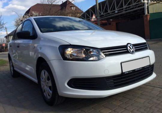 Volkswagen Polo с водителем