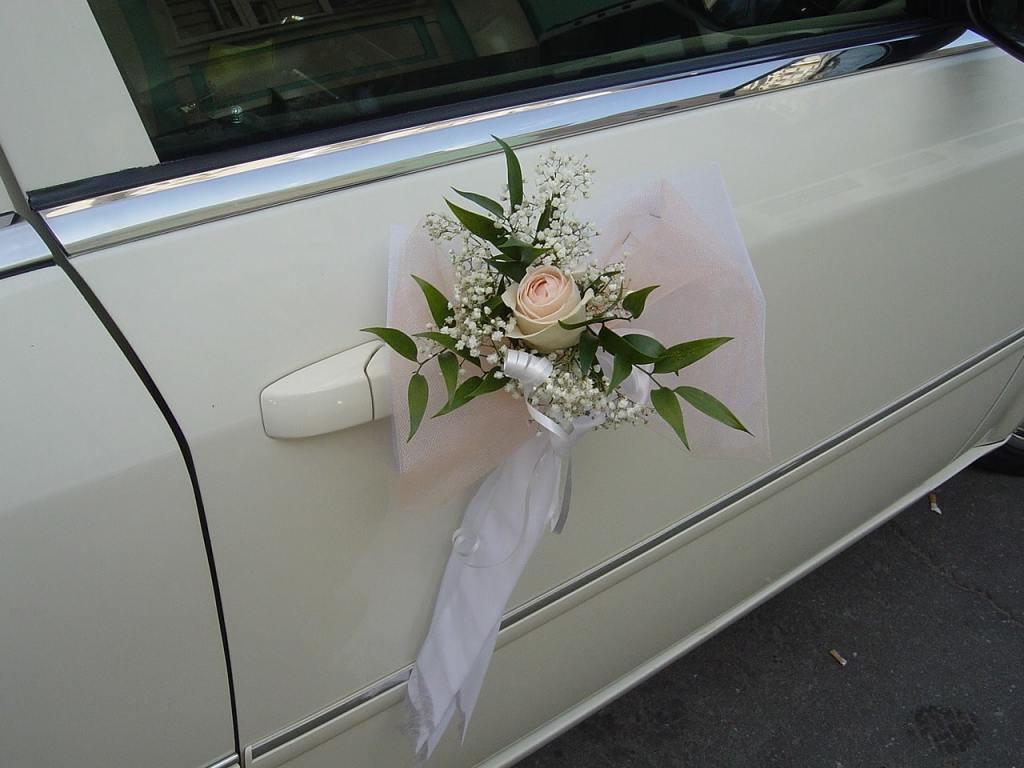 Оформление автомобиля на свадебное мероприятие