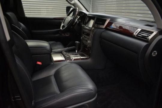 Lexus LX 570 3