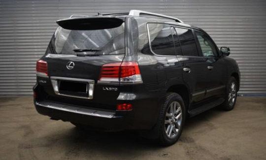 Lexus LX 570 7